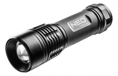 Aluminiowa latarka 200 lum zoom ipx7 3xaaa