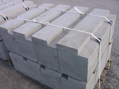 Stopień skarpowy żelbetowy 80x37x20