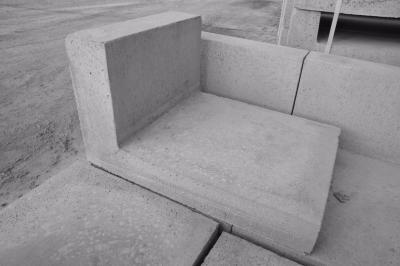 element-oporowy-betonowy-49x40x70.JPG