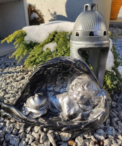 Znicz betonowy śpiący anioł czarno-srebrny